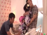 Reiko Kobayakawa delights with two men in amazing trio