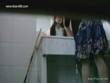 chinese girls go to toilet.66