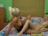Wild Lesbian Babes Kissing and Licking